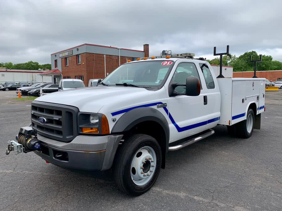Used 2005 Ford Super Duty F-450 DRW in South Windsor, Connecticut | Mike And Tony Auto Sales, Inc. South Windsor, Connecticut