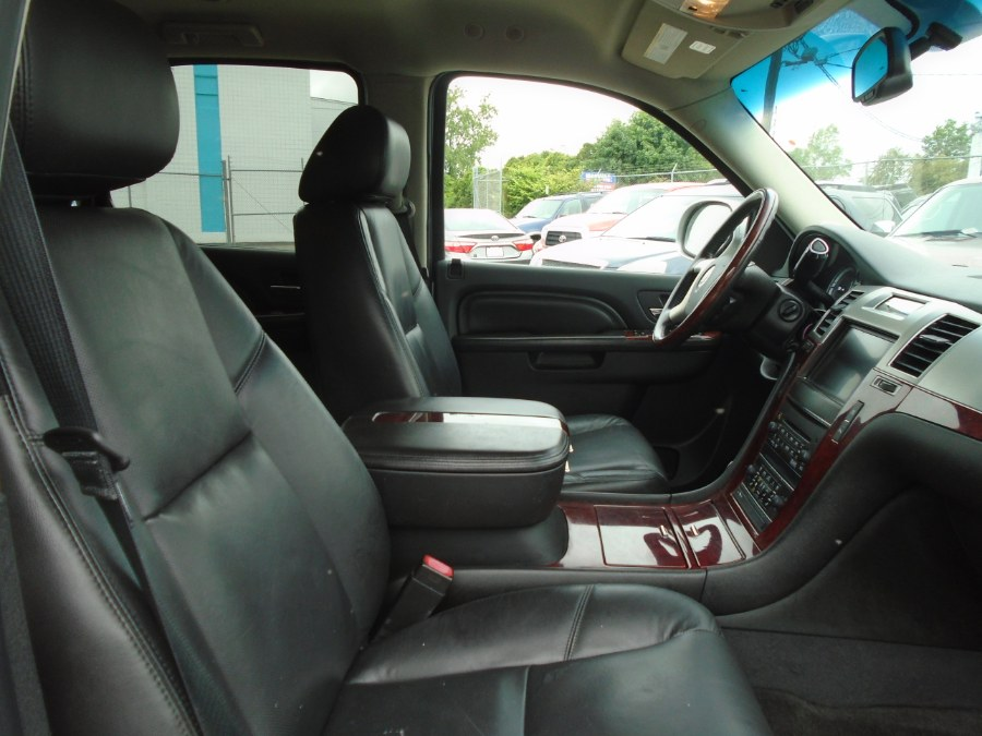2011 Cadillac Escalade AWD 4dr Base, available for sale in Milford, Connecticut | Dealertown Auto Wholesalers. Milford, Connecticut