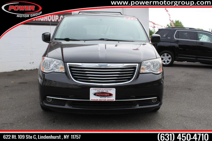 2014 Chrysler Town & Country 4dr Wgn Touring, available for sale in Lindenhurst , New York | Power Motor Group. Lindenhurst , New York