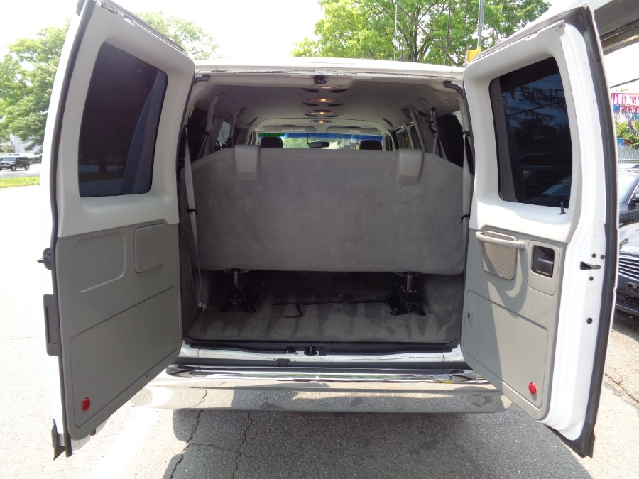 2012 Ford Econoline Wagon E-350 Super Duty XLT, available for sale in Rosedale, New York | Sunrise Auto Sales. Rosedale, New York