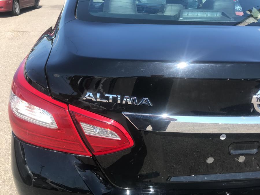 2018 Nissan Altima 2.5 SR Sedan, available for sale in Shirley, New York | Roe Motors Ltd. Shirley, New York