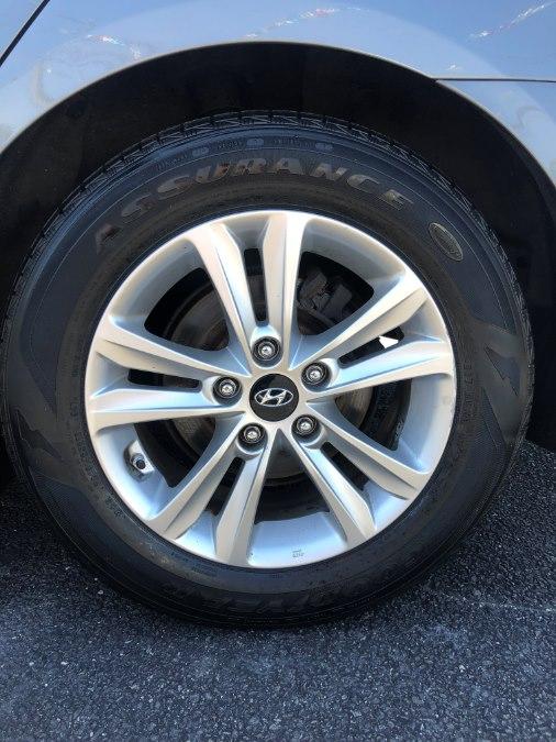 2011 Hyundai Sonata 4dr Sdn 2.4L Auto GLS, available for sale in Lindenhurst, New York | Rite Cars, Inc. Lindenhurst, New York
