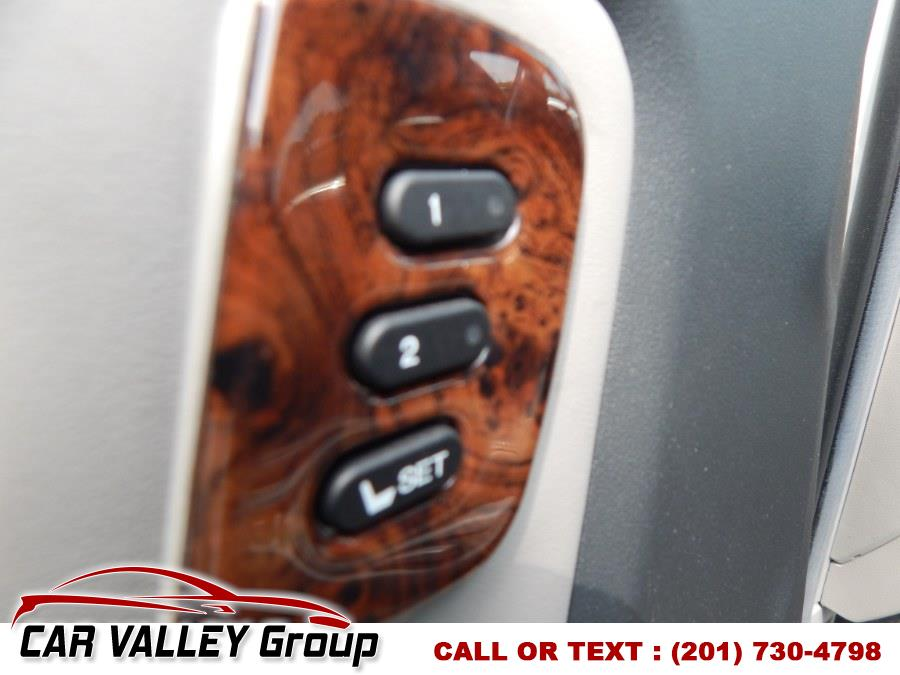 2011 Honda Pilot 4WD 4dr Touring w/RES & Navi, available for sale in Jersey City, New Jersey | Car Valley Group. Jersey City, New Jersey