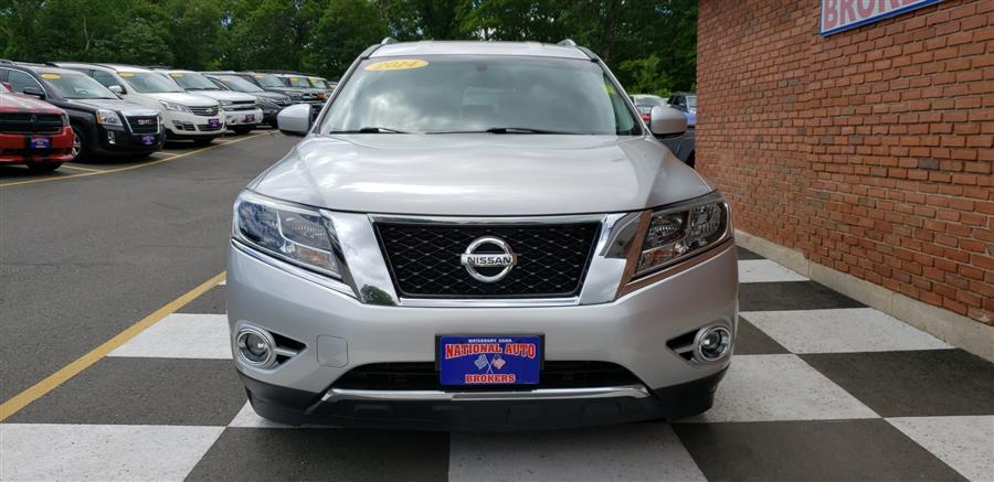 2014 Nissan Pathfinder 4WD 4dr SV, available for sale in Waterbury, Connecticut | National Auto Brokers, Inc.. Waterbury, Connecticut