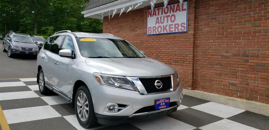 Used 2014 Nissan Pathfinder in Waterbury, Connecticut | National Auto Brokers, Inc.. Waterbury, Connecticut