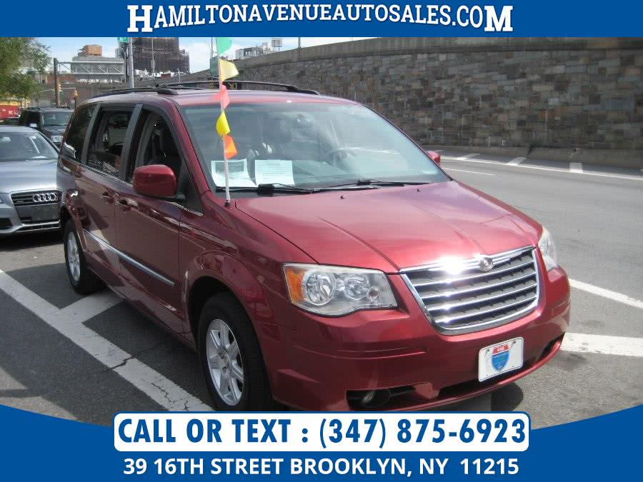 Used 2010 Chrysler Town & Country in Brooklyn, New York | Hamilton Avenue Auto Sales DBA Nyautoauction.com. Brooklyn, New York