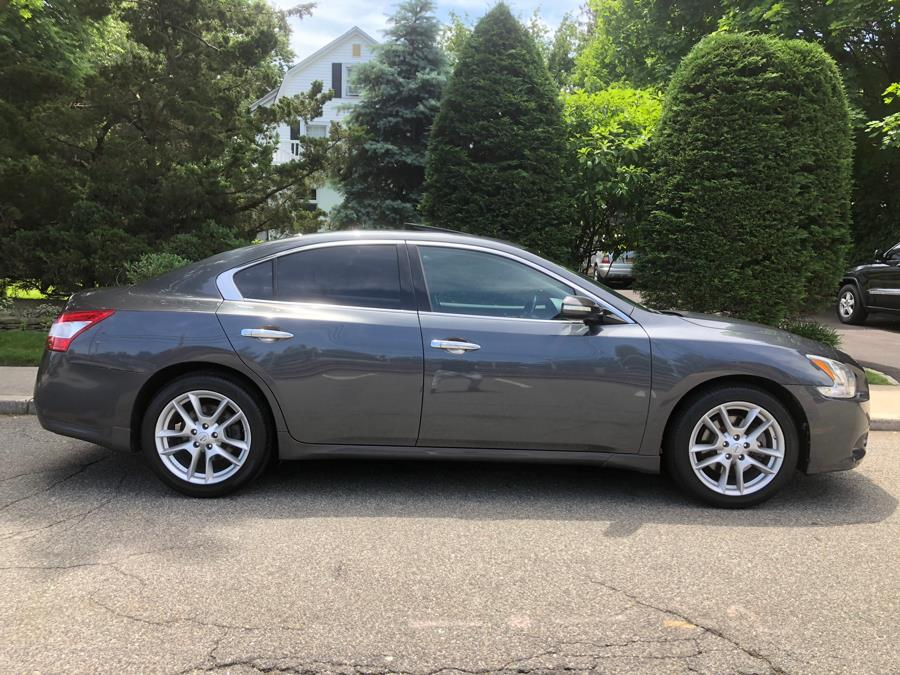 2011 Nissan Maxima 4dr Sdn V6 CVT 3.5 SV w/Premium Pkg, available for sale in Franklin Square, New York | Luxury Motor Club. Franklin Square, New York