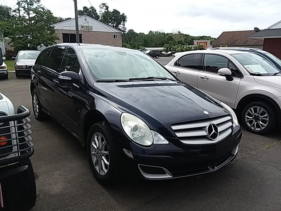 2006 Mercedes-Benz R-Class 4MATIC 4dr 3.5L, available for sale in Wallingford, Connecticut | Vertucci Automotive Inc. Wallingford, Connecticut