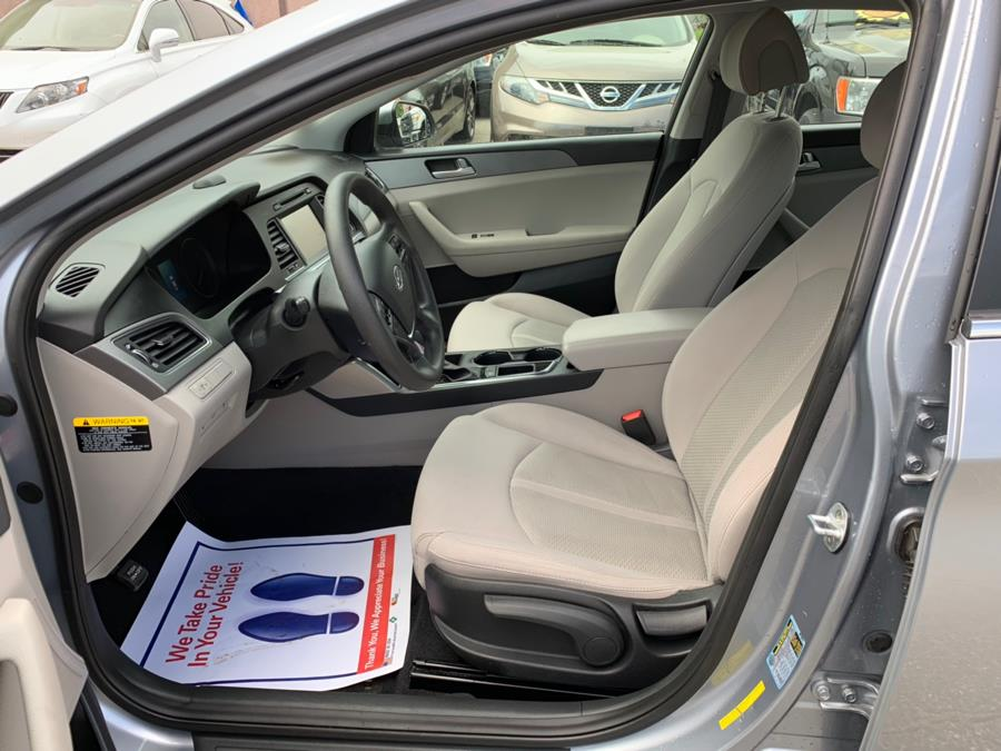 2016 Hyundai Sonata 4dr Sdn 2.4L SE, available for sale in Methuen, Massachusetts   Danny's Auto Sales. Methuen, Massachusetts