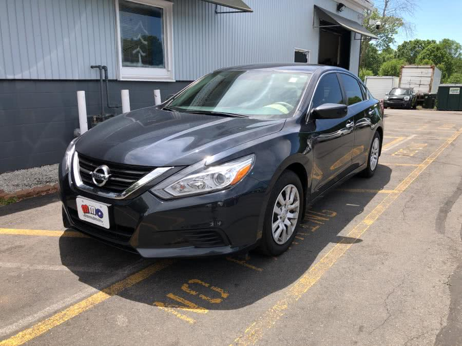 Used 2016 Nissan Altima in Middletown, Connecticut | Middletown Motorcars. Middletown, Connecticut
