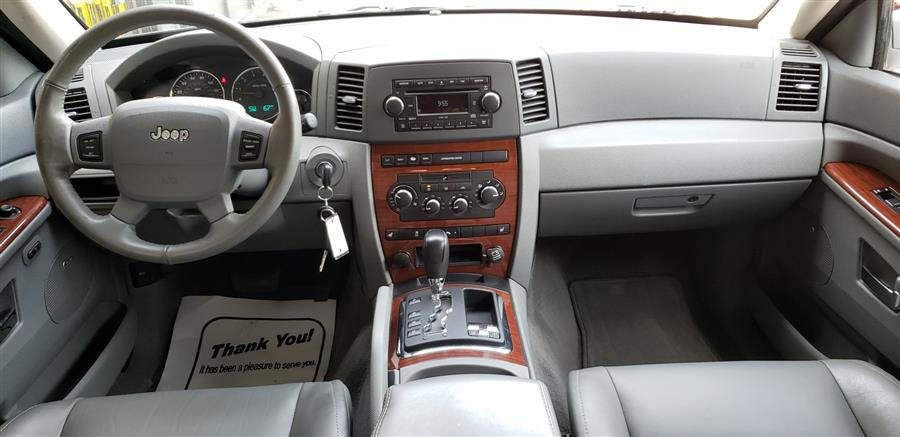 2007 Jeep Grand Cherokee 4WD 4dr Limited, available for sale in Waterbury, Connecticut | National Auto Brokers, Inc.. Waterbury, Connecticut