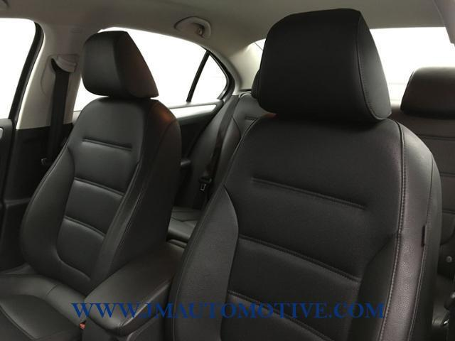 2014 Volkswagen Jetta 4dr Auto SE PZEV, available for sale in Naugatuck, Connecticut | J&M Automotive Sls&Svc LLC. Naugatuck, Connecticut