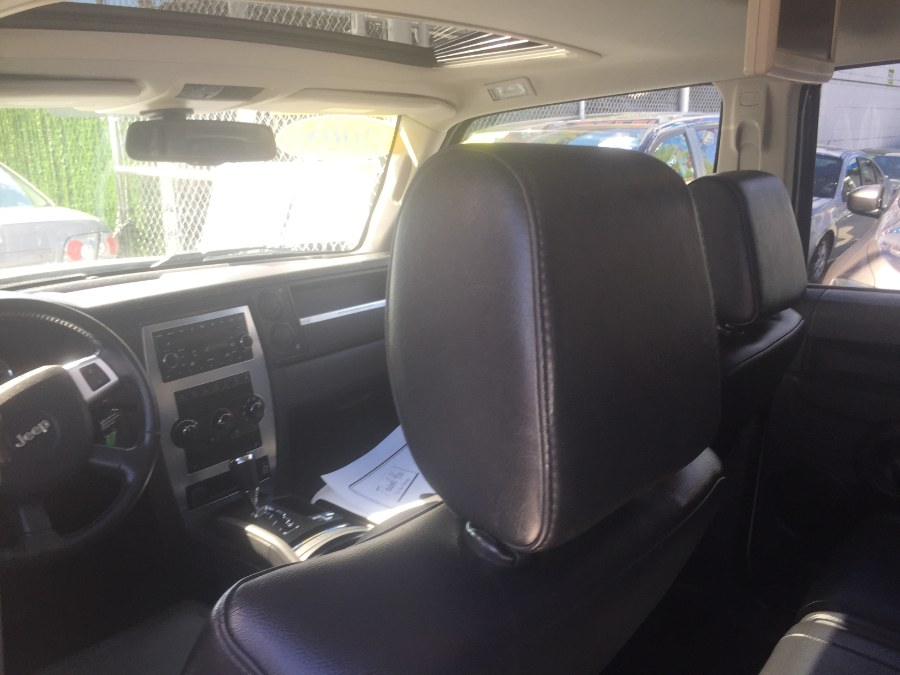 2008 Jeep Commander 4WD 4dr Sport, available for sale in Middle Village, New York | Middle Village Motors . Middle Village, New York