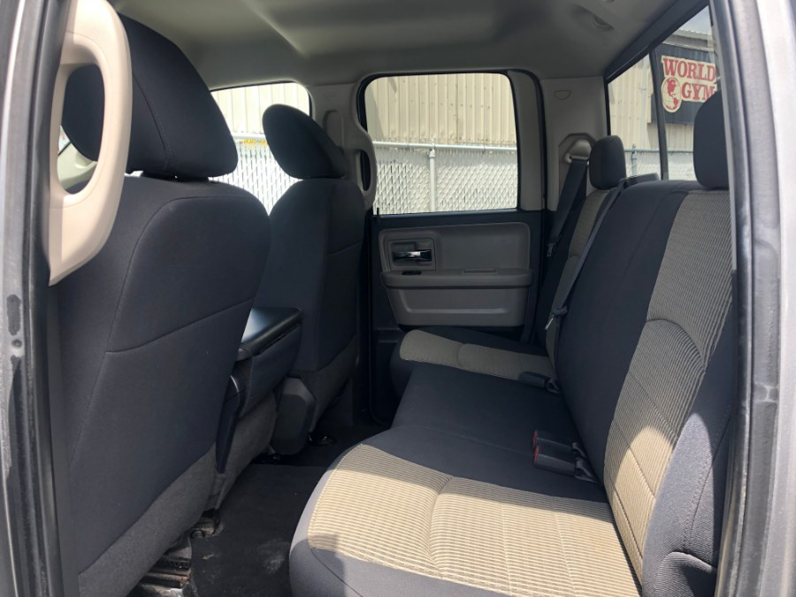 2009 Dodge Ram 1500 4WD Quad Cab 140.5