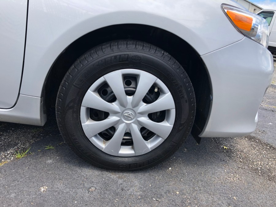 2013 Toyota Corolla 4dr Sdn Auto LE, available for sale in Bayshore, New York | Carmatch NY. Bayshore, New York