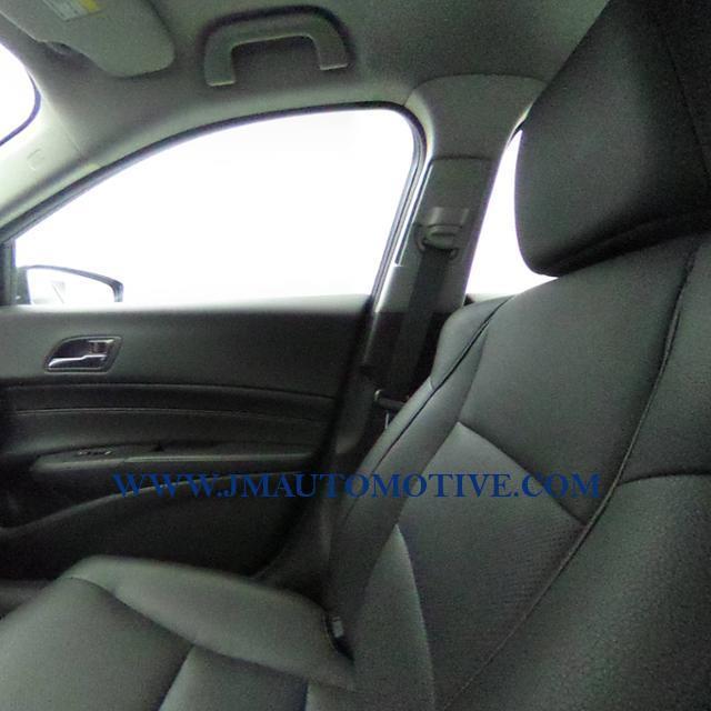 2016 Acura Ilx 4dr Sdn w/Premium Pkg, available for sale in Naugatuck, Connecticut   J&M Automotive Sls&Svc LLC. Naugatuck, Connecticut