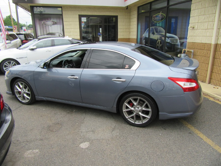 2010 Nissan Maxima 4dr Sdn V6 CVT 3.5 SV w/Sport Pkg, available for sale in Little Ferry, New Jersey | Royalty Auto Sales. Little Ferry, New Jersey