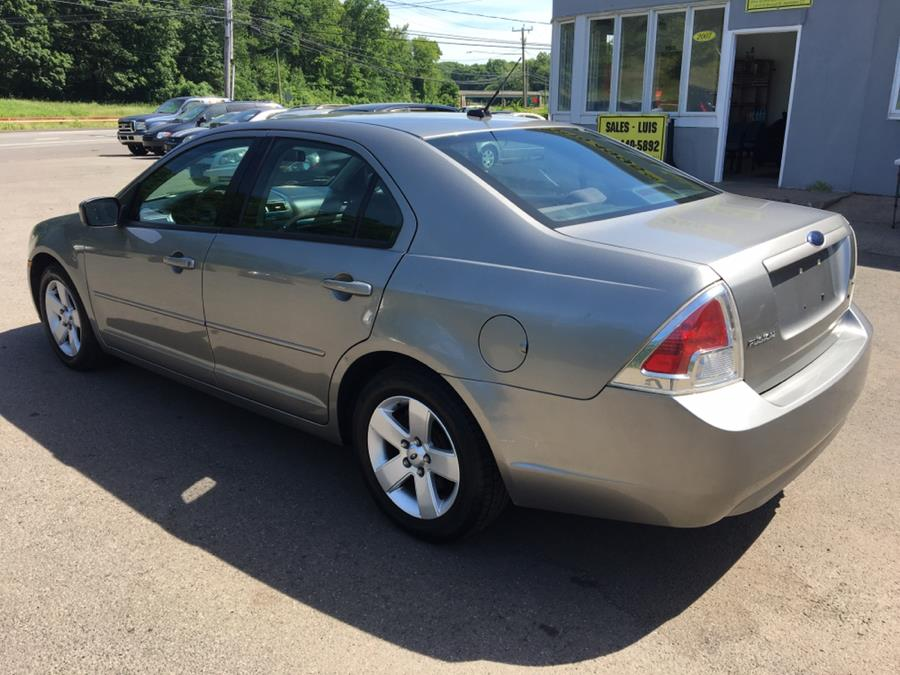 2008 Ford Fusion 4dr Sdn I4 SE FWD, available for sale in Meriden, Connecticut | Cos Central Auto. Meriden, Connecticut