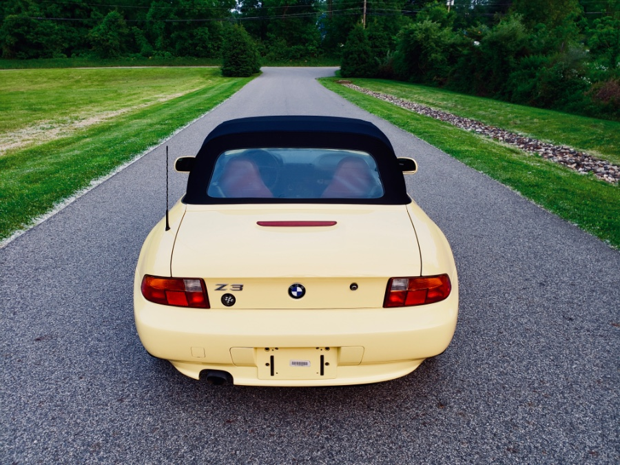 1997 BMW 3 Series Z3 2dr Roadster 1.9L, available for sale in North Salem, New York | Meccanic Shop North Inc. North Salem, New York