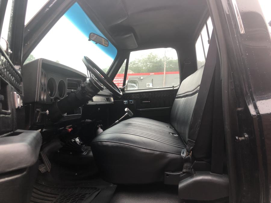 1987 Chevrolet 1/2 Ton Pickups R10 Fleetside Custom, available for sale in Waterbury, Connecticut | National Auto Brokers, Inc.. Waterbury, Connecticut