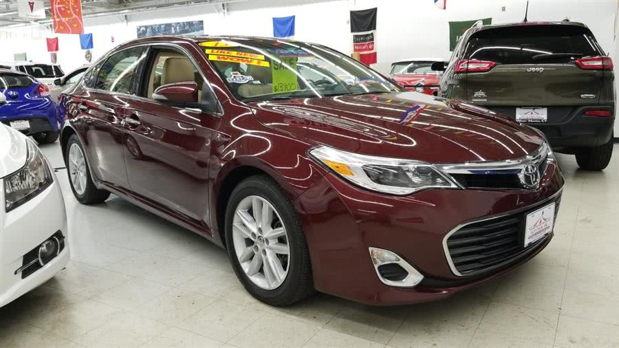 2013 Toyota Avalon 4dr Sdn XLE (Natl), available for sale in West Haven, CT