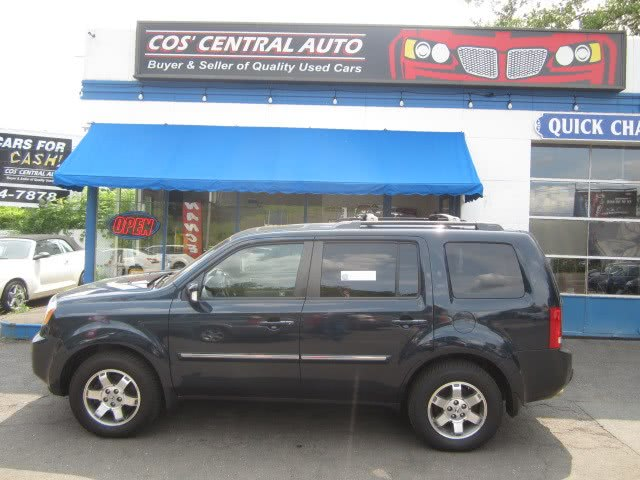 2010 Honda Pilot 4WD 4dr Touring w/Navi, available for sale in Meriden, Connecticut | Cos Central Auto. Meriden, Connecticut