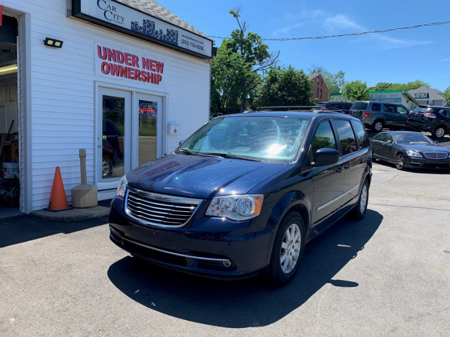 2015 Chrysler Town & Country 4dr Wgn Touring, available for sale in Danbury, Connecticut | Car City of Danbury, LLC. Danbury, Connecticut