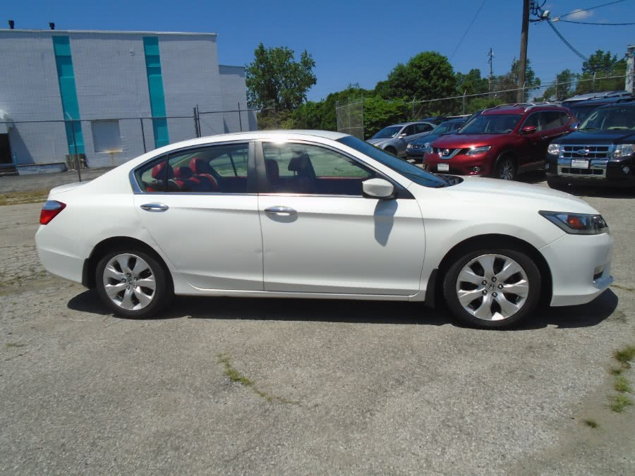 Used 2013 Honda Accord Sdn in Milford, Connecticut | Dealertown Auto Wholesalers. Milford, Connecticut