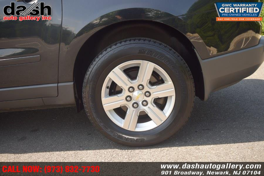 2011 Chevrolet Traverse AWD 4dr LT w/2LT, available for sale in Newark, New Jersey | Dash Auto Gallery Inc.. Newark, New Jersey