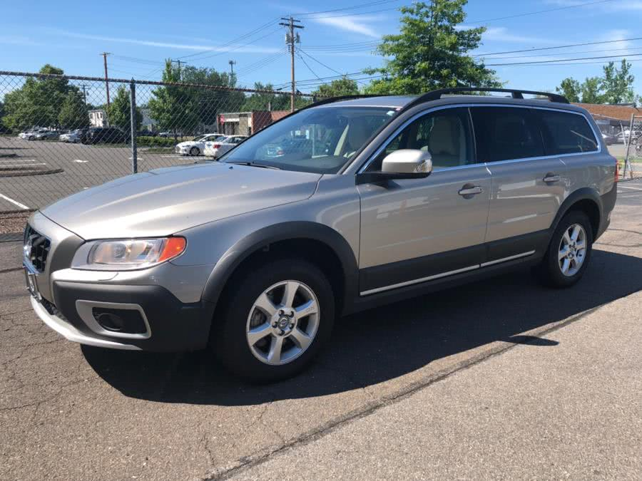 Used 2012 Volvo XC70 in Milford, Connecticut | Chip's Auto Sales Inc. Milford, Connecticut