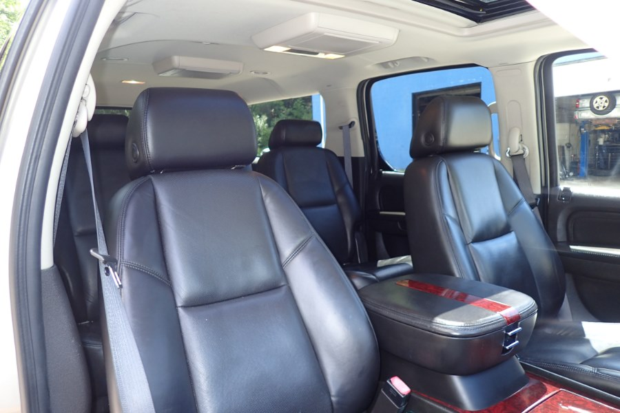 2008 Cadillac Escalade ESV AWD, available for sale in Storrs, Connecticut   Eagleville Motors. Storrs, Connecticut