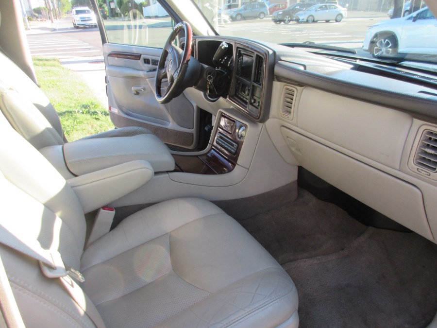 2006 Cadillac Escalade 4dr AWD, available for sale in Lynbrook, New York | ACA Auto Sales. Lynbrook, New York