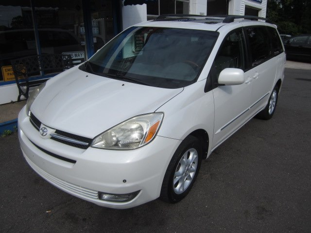 2005 Toyota Sienna Limited AWD, available for sale in Meriden, Connecticut | Cos Central Auto. Meriden, Connecticut