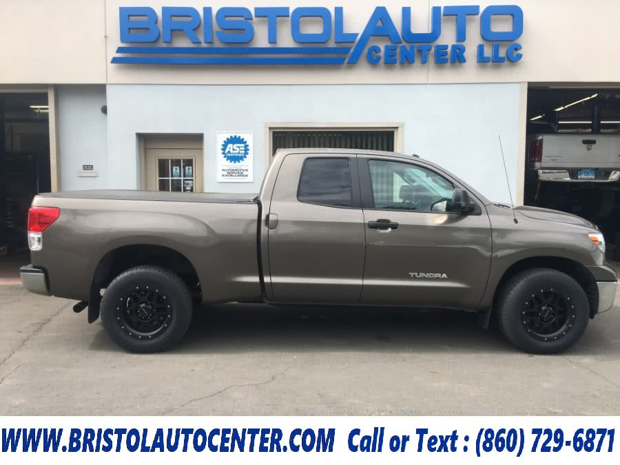 Used 2013 Toyota Tundra 4WD Truck in Bristol, Connecticut | Bristol Auto Center LLC. Bristol, Connecticut