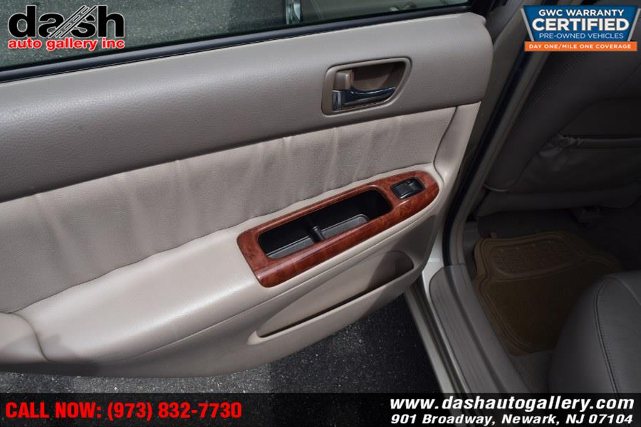 2005 Toyota Camry 4dr Sdn XLE V6 Auto (Natl), available for sale in Newark, New Jersey | Dash Auto Gallery Inc.. Newark, New Jersey
