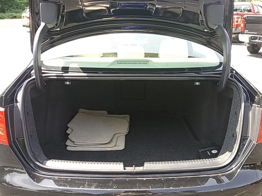 2013 Volkswagen Jetta Sedan 4dr Manual SE PZEV, available for sale in Rochester, New Hampshire | Hagan's Motor Pool. Rochester, New Hampshire