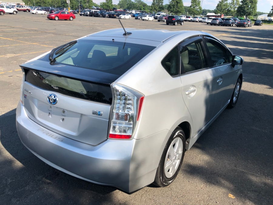 2010 Toyota Prius 5dr HB V (Natl), available for sale in East Windsor, Connecticut | A1 Auto Sale LLC. East Windsor, Connecticut