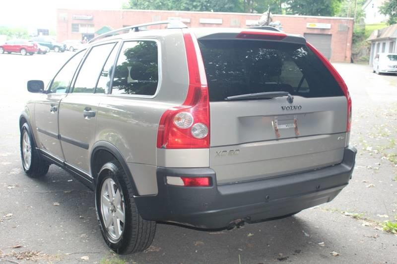 2005 Volvo Xc90 2.5T AWD 4dr Turbo SUV, available for sale in Waterbury, Connecticut | Sphinx Motorcars. Waterbury, Connecticut