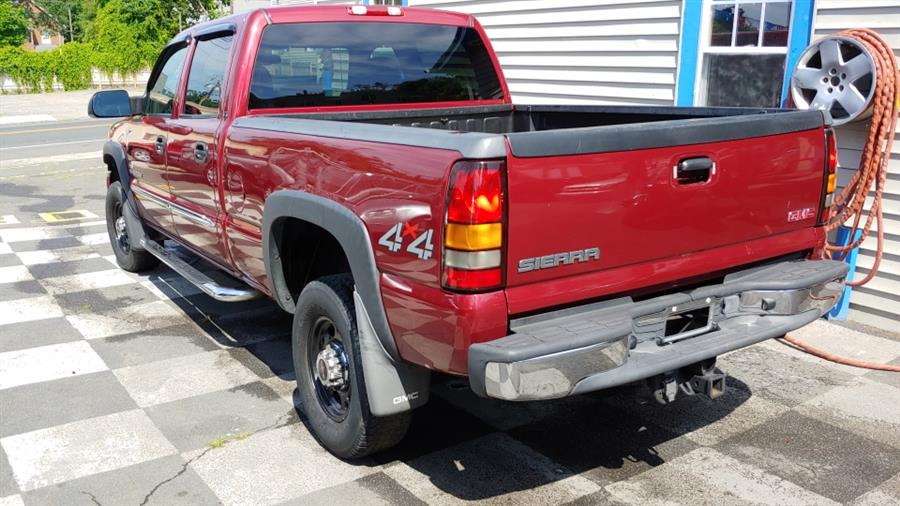 "2004 GMC Sierra 2500HD Crew Cab 153"" WB 4WD SLT, available for sale in Ansonia, CT"