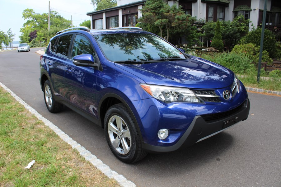 2015 Toyota RAV4 AWD 4dr XLE, available for sale in Great Neck, NY