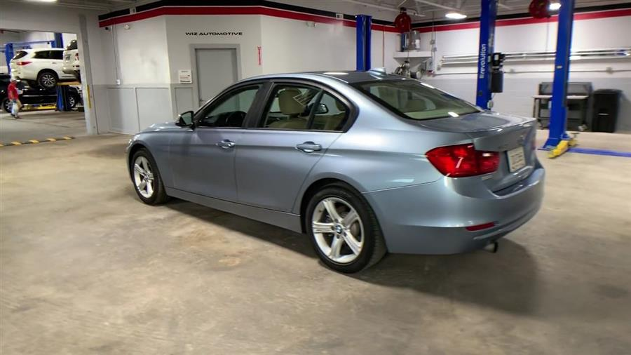 Used BMW 3 Series 4dr Sdn 320i xDrive AWD 2013 | Wiz Leasing Inc. Stratford, Connecticut