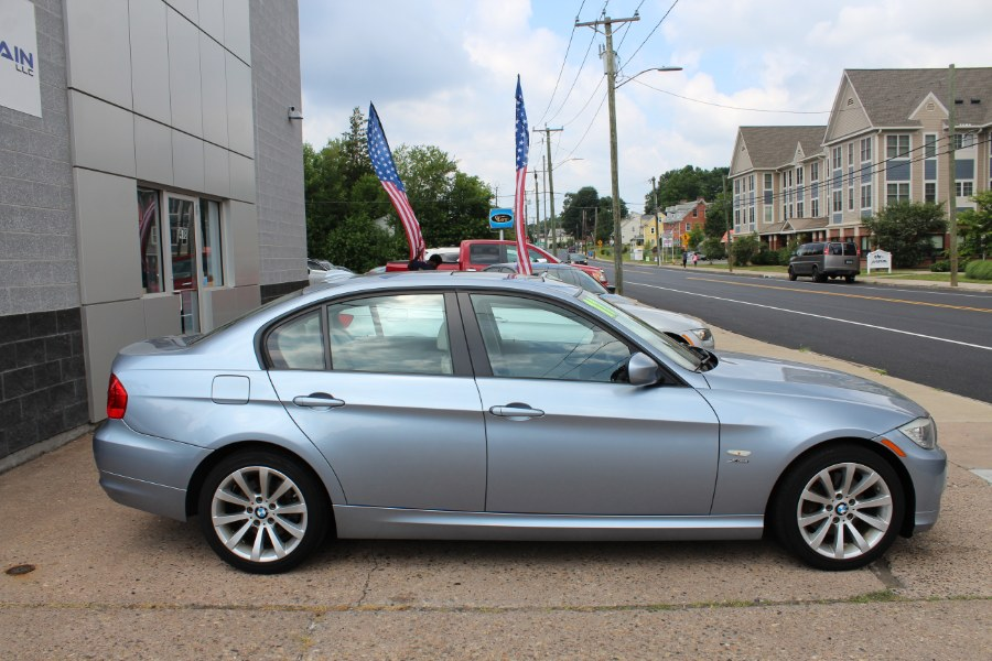 2011 BMW 3 Series 4dr Sdn 328i xDrive AWD SULEV, available for sale in Manchester, Connecticut | Carsonmain LLC. Manchester, Connecticut