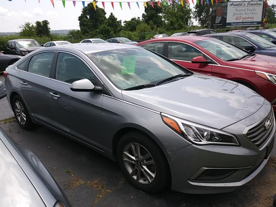 2017 Hyundia Sonata Se, available for sale in Hamden, Connecticut | 5M Motor Corp. Hamden, Connecticut