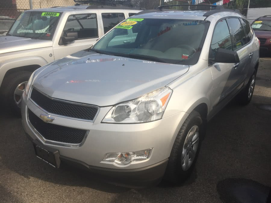 Used Chevrolet Traverse AWD 4dr LS 2010 | Middle Village Motors . Middle Village, New York