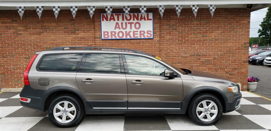 2009 Volvo XC70 4dr Wgn 3.2L w/Sunroof, available for sale in Waterbury, Connecticut | National Auto Brokers, Inc.. Waterbury, Connecticut