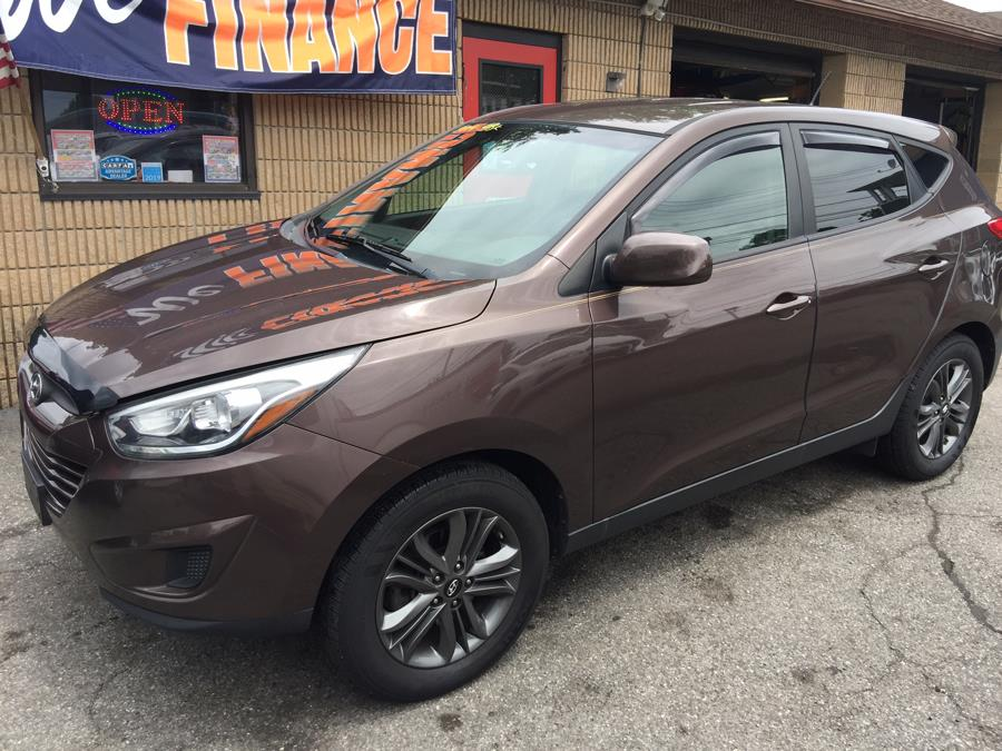 2014 Hyundai Tucson FWD 4dr GLS, available for sale in Stratford, Connecticut | Mike's Motors LLC. Stratford, Connecticut