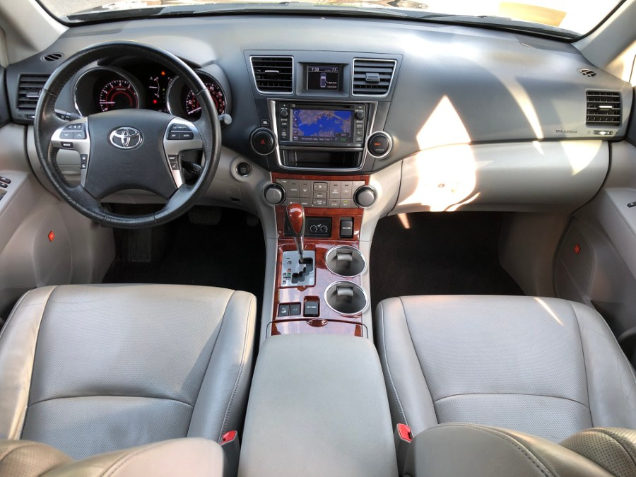 2013 Toyota Highlander 4WD 4dr V6  Limited FULLY LOADED, available for sale in Chelsea, Massachusetts | Boston Prime Cars Inc. Chelsea, Massachusetts