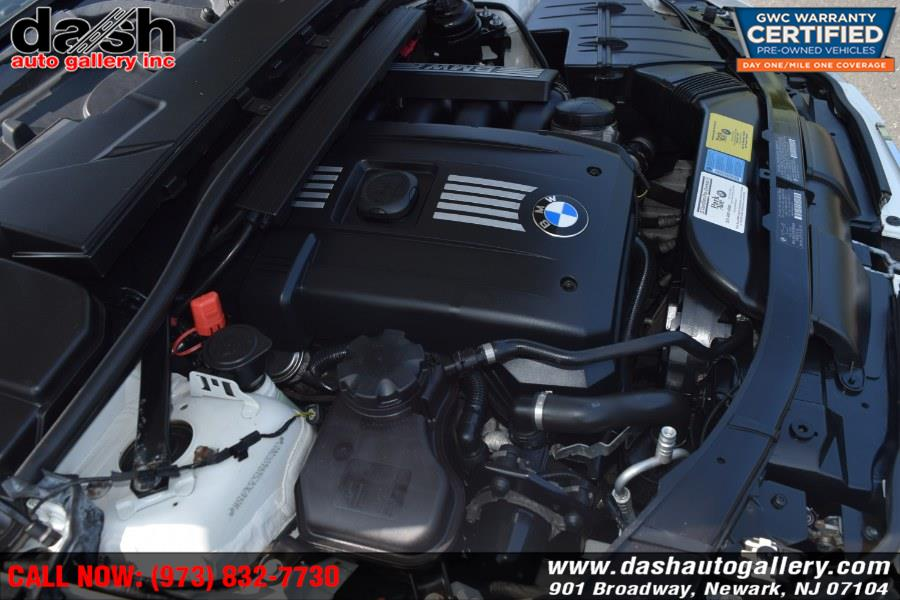 2011 BMW 3 Series 4dr Sdn 328i xDrive AWD SULEV, available for sale in Newark, New Jersey | Dash Auto Gallery Inc.. Newark, New Jersey