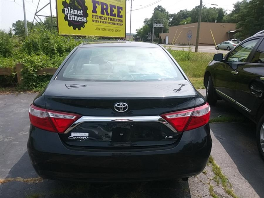 2015 Toyota Camry 4dr Sdn I4 Auto LE (Natl), available for sale in Hamden, Connecticut | 5M Motor Corp. Hamden, Connecticut