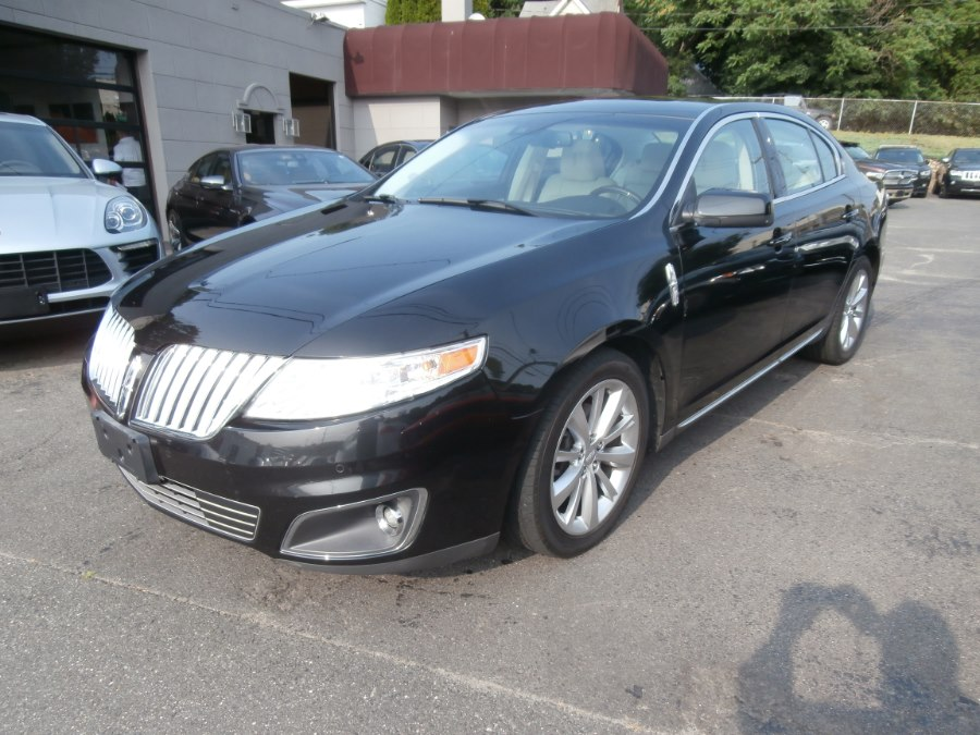 2011 Lincoln MKS 4dr Sdn 3.7L AWD, available for sale in Waterbury, Connecticut | Jim Juliani Motors. Waterbury, Connecticut